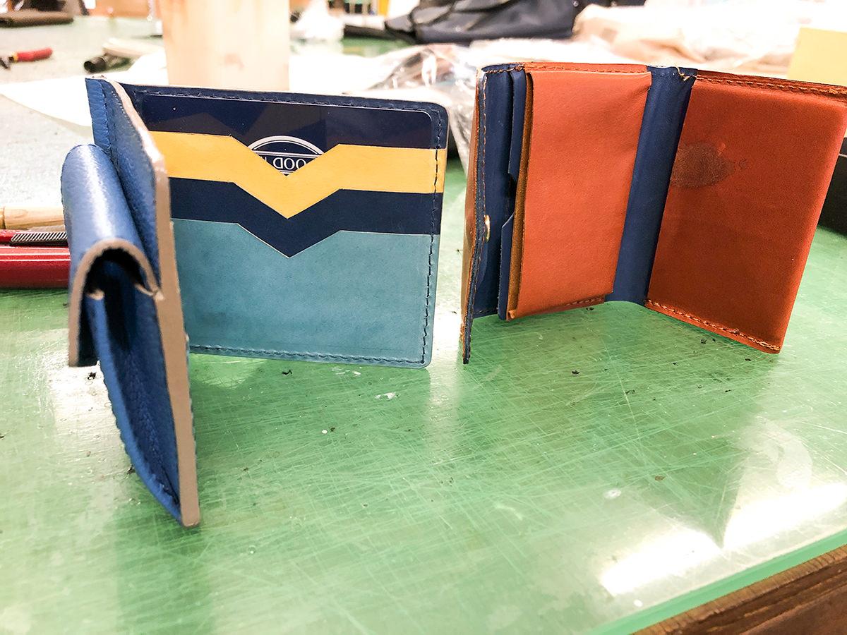 マネークリップと小さい財布のサンプル