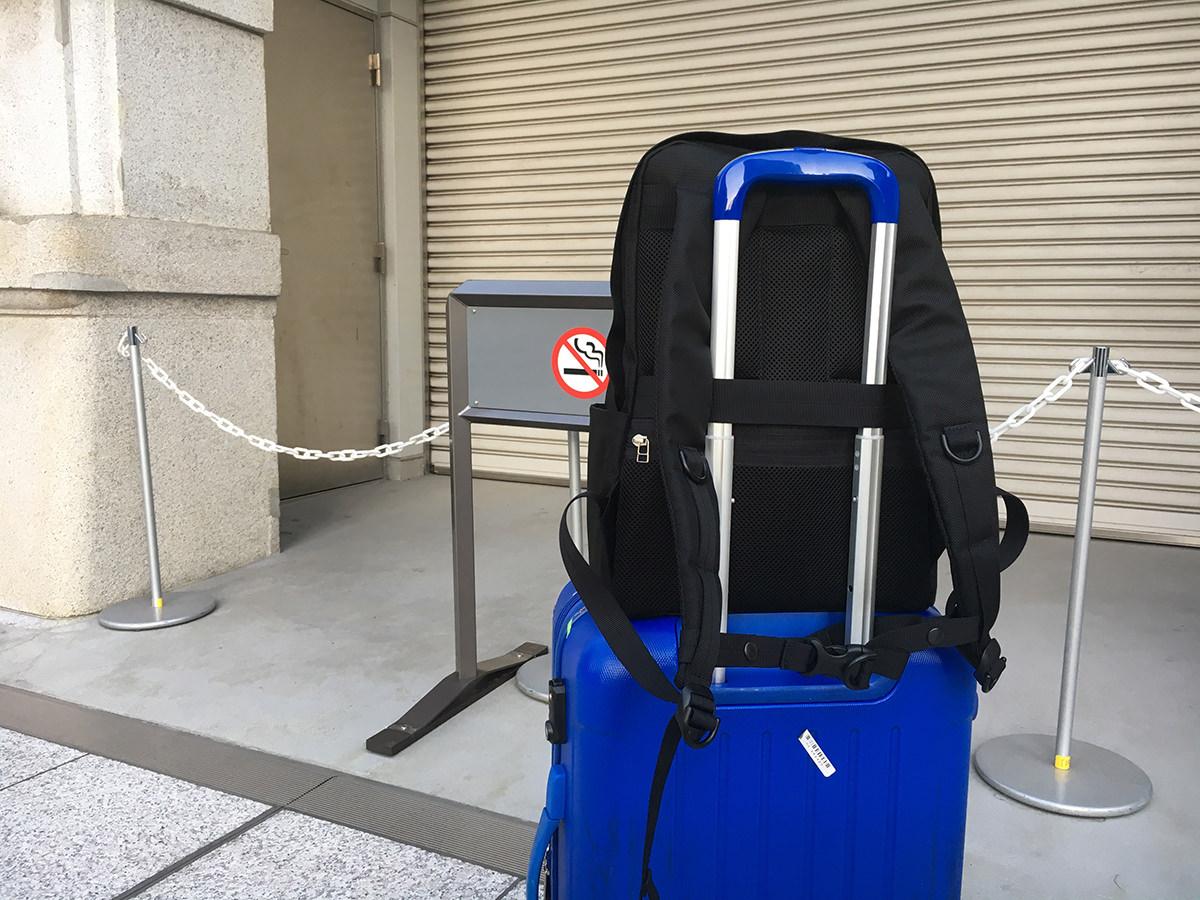 seow(セオ)をキャリーバッグ に装着