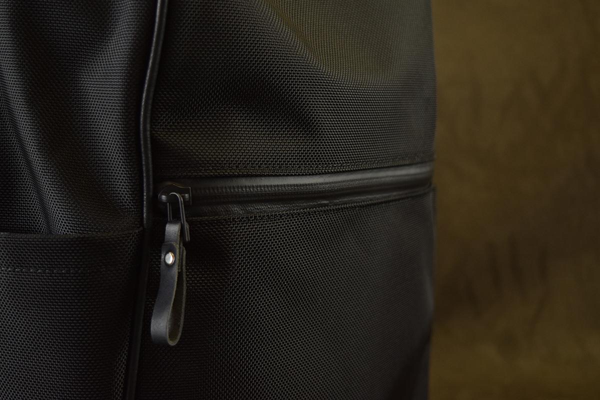 前ポケットにアクアガードファスナー